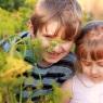 dzieci w warzywniaku